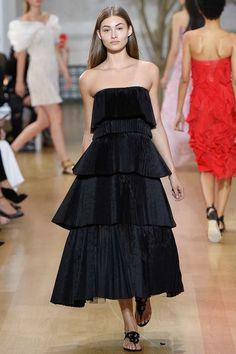 Oscar de la Renta Spring 2017 Ready-to-Wear Fashion Show - Grace Elizabeth