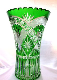Fabulous Imperlux Emerald Green Lead Cut to Clear Crystal Vase 12 Germany Crystal Glassware, Crystal Vase, Clear Crystal, Waterford Crystal, Cut Glass, Glass Vase, Vase Cristal, Blown Glass Art, Flower Frog