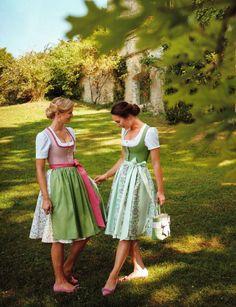 "© Copyright Susanne Spatt GmbH, Kollektion Spatt ""Malerischer Sommer"", Frühjahr/Sommer 2019 Traditional German Clothing, German Girls, Dirndl Dress, Wedding Jumpsuit, Short Dresses, Summer Dresses, The Dress, Fashion Pictures, Jumpsuits For Women"