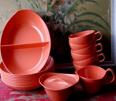 I have this exact set I found at a vintage store :)