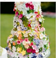 Beautiful Cake Pictures: Beautiful Floral Garden Wedding Cake Picture: Cakes with Flowers, Colorful Cakes, Wedding Cakes Beautiful Wedding Cakes, Gorgeous Cakes, Pretty Cakes, Amazing Cakes, Floral Wedding Cakes, Floral Cake, Cake Wedding, Fancy Wedding Cakes, Summer Wedding Cakes