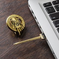 "Wicked!!! ""Hand of the King"" usb flash drive. Love me some Game Of Thrones!!"