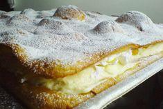 Karpaty s vanilkovým krémem, ovocem a šlehačkou
