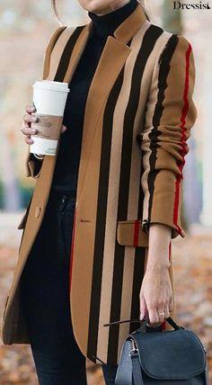 Stripes Fashion, Blazer Fashion, Winter Fashion Outfits, Fashion Wear, Look Fashion, Fashion Prints, Autumn Winter Fashion, Fall Outfits, Womens Fashion