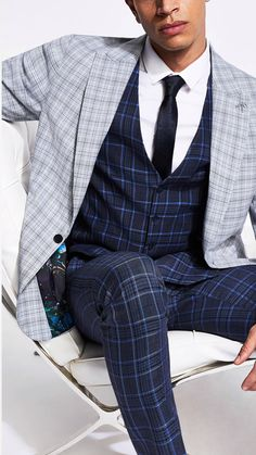 A fail-safe suit is an essential in every man's wardrobe. Whether you prefer to keep it slick in slim and super skinny fits or channel a classic silhouette with a regular fit, our range of men's suits come in a variety of colours and fits. Grey Suit Men, Mens Suits, Super Skinny, Skinny Fit, Fashion Fail, Mens Fashion, Men's Wardrobe, Channel, Suit Jacket