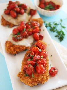 Crispy Parmesan Chicken W/ Balsamic Roasted Tomatoes recipe. Easy to make & delicious! I Love Food, Good Food, Yummy Food, Oven Roasted Chicken, Chicken Cutlets, Parm Chicken, Moist Chicken, Italian Chicken, Crispy Chicken