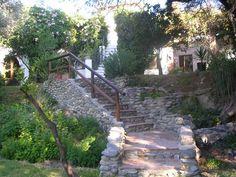 ÓRGIVA Granada. Casa rural La Cañada,  con capacidad para once personas. Dispone de #seis_dormitorios independientes alrededor de una gran terraza, tres baños para compartir, salón con chimenea, cocina, porche cubierto, jardín con #barbacoa y #piscina_iluminación_nocturna. Situada en la ladera sur de #Sierra_Nevada en cuyos alrededores se pueden practicar deportes como   #senderismo, #parapente, #descensoAguasBravas, #piragüismo o #escalada y excursiones por la #AlpujarraGranadina. #Órgiva