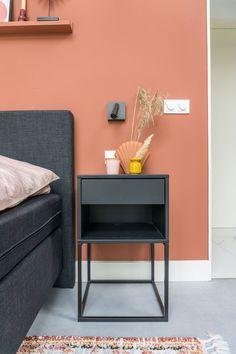 Slaapkamer met roze muur | Boxspring bed | Stek Magazine Nightstand, Table, Furniture, Lifestyle, Home Decor, Decoration Home, Room Decor, Night Stand, Tables