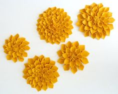 Easy no sew Felt Flowers I wonder if it would work with paper?