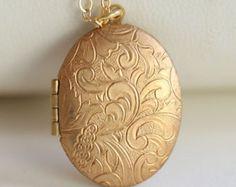Locket Gold Locket, Locket Necklace, Lockets, Filigree, Pocket Watch, Christmas Bulbs, Bridesmaid, Brass, Trending Outfits