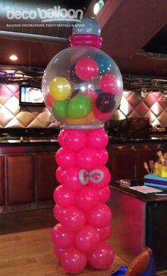 Dispensador de dulces hecho con globos. #DecoracionConGlobos