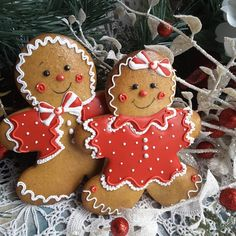 Best friends, peppermint gingerbread boy and girl cookies by Teri Pringle Wood