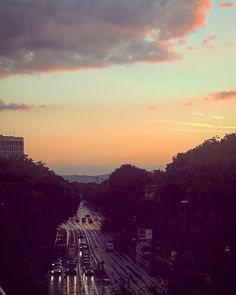 Sunset in Frankfurt after rain. #frankfurt  #germany  #travel #tips #travelguide #sunset #wanderer