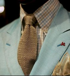 Pastels are advanced confidence. With a tailor you have your own flavour and not the color of the season. Best Dressed Man, Suit Shirts, Blue Suede Shoes, Suit Accessories, Man Up, Tie Shoes, Men's Suits, Suit And Tie, Pastels
