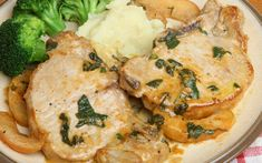 Χοιρινά μπριζολάκια με σάλτσα μήλου – Newsbeast Pan Pork Chops, Apple Pork Chops, Pork Loin, Pork Steaks, Steaks De Porc, Fall Recipes, Healthy Recipes, Healthy Foods, Sweet N Spicy