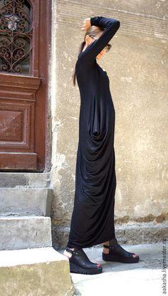 Купить или заказать Платье туника Maxi Black в интернет-магазине на Ярмарке Мастеров. Красивое длинное платье из вискозы. Очень элегантное и экстравагантное .Получился очень стильный образ. Можно носить платье с любой обувью какой только пожелаете.
