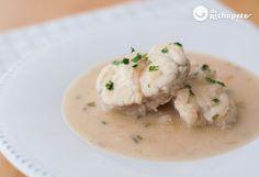 Cómo preparar rape en salsa de almendras. Receta de pescado, un plato muy fácil y perfecto para una ocasión especial. Preparación paso a paso y consejos.