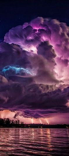 Spectacular lightning storm at Lewis Smith Lake near Jasper, Alabama ...' and it's PURPLE