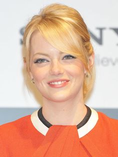 Emma Stone at the Tokyo photocall for The Amazing Spider-Man: http://beautyeditor.ca/2012/06/22/how-amazing-does-emma-stone-look-on-her-amazing-spider-man-tour-lets-count-the-ways-and-steal-some-ideas/