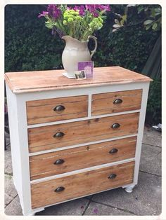 Perfect makeover - All About Decoration Refurbished Furniture, Paint Furniture, Repurposed Furniture, Shabby Chic Furniture, Furniture Projects, Furniture Making, Home Furniture, Wood Projects, Vintage Bedroom Furniture