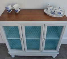 20 Upcycled Furniture Ideas Breathing New Life Into An Exhausted Piece of Furniture!