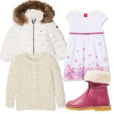 Vestito senza maniche bianco con fiori rosa, caldissimo cardigan fur maniche lunghe con bottoncini, stivaletti rosa in pelle con interno fur e piumino bianco con cappuccio.