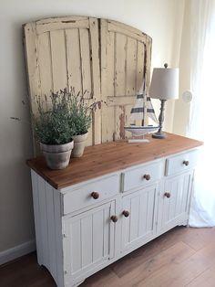 pixiespotatoes | Desks, Dressers and Shelves
