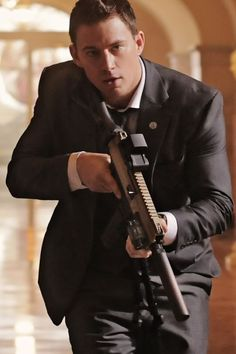 Channing Tatum- White House Down Magic Mike Movie, Chaning Tatum, Coach Carter, Sexy Men, Hot Men, Pitch Perfect, Ex Husbands, Music Tv, Leonardo Dicaprio