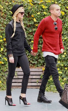 New Couple? from Ashlee Simpson & Evan Ross: Romance Rewind