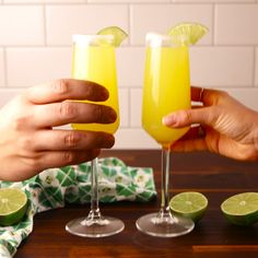 Mule Mimosas Switch up your brunch routine.Switch up your brunch routine. Drinks Alcohol Recipes, Alcoholic Drinks, Bar Drinks, Beverages, Summer Drinks, Food Videos, Delish, Food And Drink, Cooking Recipes