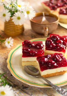 Ciasto z wiśniami i mascarpone Cookie Recipes, Dessert Recipes, Food Cakes, Love Cake, Tortellini, Cake Cookies, Cheesecake, Sweets, Cooking