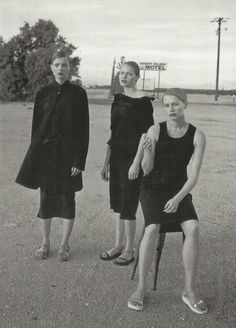 esther canadas, carolyn murphy and unknown by peter lindbergh for vogue italia may 1998