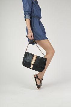 - Antoinette Ameska - Pochette Jaipur Pailletée bleu/ noir.  #cuir #leather #maroquinerie #créateur #paris