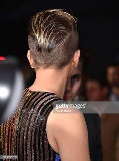 Scarlett Johansson attends 'Ghost In The Shell' New York premiere at. Short Hair Undercut, Short Bangs, Short Pixie Haircuts, Undercut Hairstyles, Pixie Hairstyles, Trendy Hairstyles, Short Hair Cuts, Short Hair Styles, Scarlett Johansson