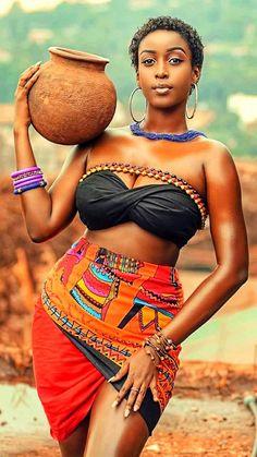 Beautiful African Women, African Beauty, Beautiful Black Women, African Fashion, Beautiful People, Ethiopian Beauty, Iranian Women, Femmes Les Plus Sexy, Pretty Black Girls