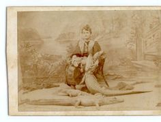 """Glamour shots of carnival """"freaks"""" of the 1800s were oddly touching"""
