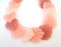 Shades of Pink Sea Shell Choker Vintage Mid by looseendsvintage