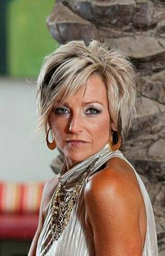 Spiked cut Short Shaggy Haircuts, Latest Short Hairstyles, Layered Haircuts, Hairstyles Haircuts, Razor Cut Hair, Short Hair Cuts, Short Hair Styles, Sassy Hair, Sharon Stone
