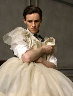 eddie redmayne husband goals!