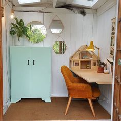Garden room, Scandinavian She Shed. Retro style interior/living