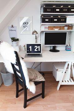 DIY Schreibtisch selber bauen. IKEA // Desk // working space //