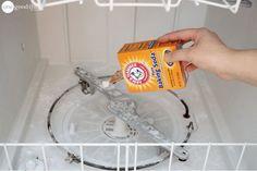L'entretien du lave-vaisselle en trois étapes simplesnoté 3.6 - 34 votes On n'a pas forcément idée de s'occuper de l'entretien du lave-vaisselle jusqu'au jour où l'on se retrouver face à un problème (odeurs, saletés et nourriture incrustées, résidus dus au produit utilisé…). Cela nous rappelle alors que ce n'est pas parce qu'un appareil sert à … More