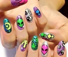 So cool love these nails and the nail art.