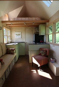 The tiny houses on wheels you'll see here aredesigned and built by Seattle Tiny Homes. The company has a qualified and experienced team focused on quality, customer satisfaction, and values.…