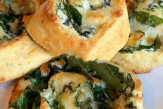 Spinach Pinwheels Gluten Free Appetizers, Spinach And Feta, Cheese Bread, Italian Seasoning, Pinwheels, Almond Flour, Ketogenic Diet, Keto Recipes, Low Carb