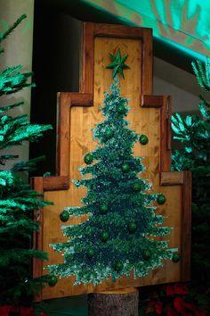 Парад рождественских елок от именитых дизайнеров – Журнал – His.ua