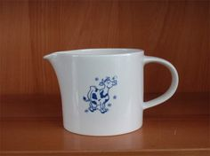 Arabia maitokannu Finland, Bowls, Retro Vintage, Cups, Blue And White, Pottery, Ceramics, Dishes, Painting
