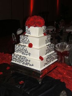 love this cake, but with different flowers!