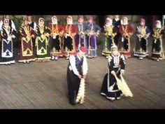 Xορός των μαντηλιων - Καπαδοκία ( xoros ton mantilion kappadokia) Greek Traditional Dress, Greek Music, Athens, Dancing, Greece, Songs, Youtube, Traditional