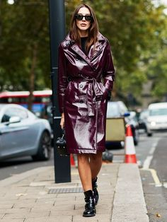 50 Street Style Looks From London Fashion Week to Inspire Your Wardrobe via   WhoWhatWearUK Stile d8f9a2f8eef